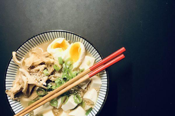 Ramensoep met miso en silken tofu